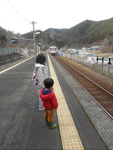 【06三鉄賞カメラ部門】NO53_三鉄まだかなぁ.JPG